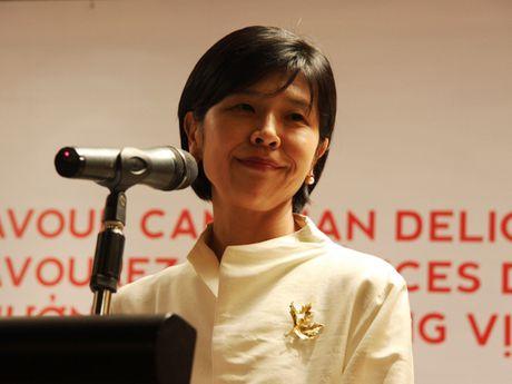 Thuong thuc tom hum va thit bo Canada tai cac nha hang Viet Nam - Anh 1