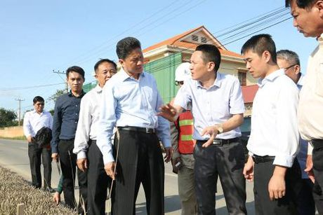 Nha thau Trung Quoc bi Bo truong Campuchia mang thang - Anh 1