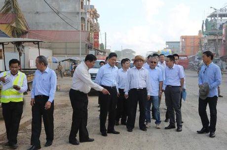 Nha thau Trung Quoc bi Bo truong Campuchia mang thang - Anh 3