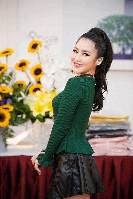 HH Ngoc Han tha dang voi ao vay om sat goi cam - Anh 6