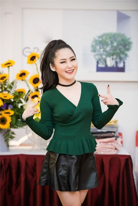 HH Ngoc Han tha dang voi ao vay om sat goi cam - Anh 7