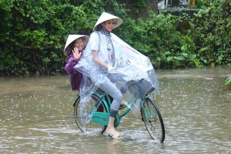 Loat anh nay khien anti-fans phai yeu men Pham Huong - Anh 3