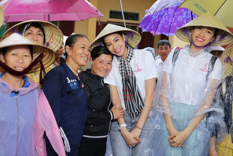 Loat anh nay khien anti-fans phai yeu men Pham Huong - Anh 6
