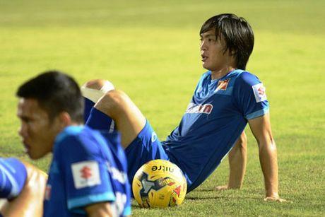 DIEM TIN TOI (11.11): Avispa Fukuoka FC nham mua Cong Vinh, Cong Phuong - Anh 2