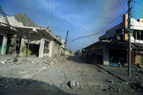 Anh cap nhat tinh hinh chien su khoc liet o Mosul - Anh 6