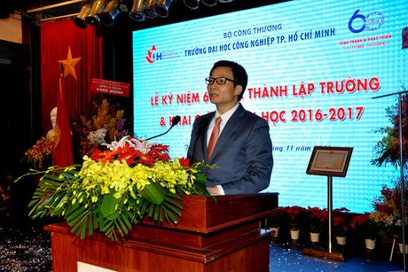Pho Thu tuong Vu Duc Dam du Le ky niem 60 nam thanh lap Truong Dai hoc Cong nghiep TP Ho Chi Minh - Anh 1
