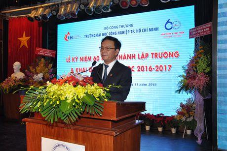 Pho Thu tuong Vu Duc Dam du Le ky niem 60 nam thanh lap Truong Dai hoc Cong nghiep TP Ho Chi Minh - Anh 2