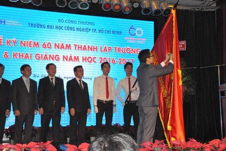Pho Thu tuong Vu Duc Dam du Le ky niem 60 nam thanh lap Truong Dai hoc Cong nghiep TP Ho Chi Minh - Anh 4