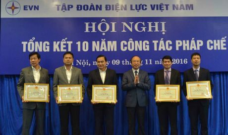 Thu truong Bo Tu phap: Phap che EVN tham muu co hieu qua - Anh 1