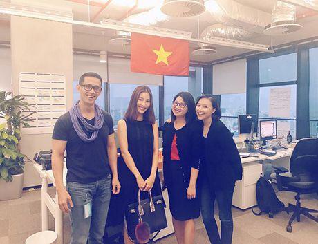 Sao Viet 11/11: Elly Tran khoc gian giua, Ky Han 'kien cuong' giau bung bau - Anh 11