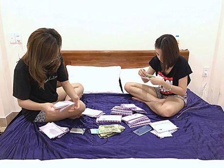 Sao Viet 11/11: Elly Tran khoc gian giua, Ky Han 'kien cuong' giau bung bau - Anh 4