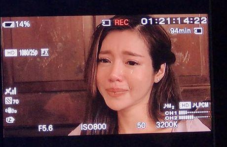 Sao Viet 11/11: Elly Tran khoc gian giua, Ky Han 'kien cuong' giau bung bau - Anh 7
