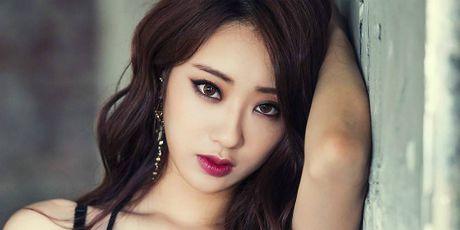 Sao nu Han bi 'nem da' vi tu nhan la nguoi sexy nhat Kpop - Anh 1