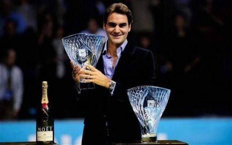 Tin the thao HOT 11/11: Federer nhan cu dup giai thuong tu ATP - Anh 1