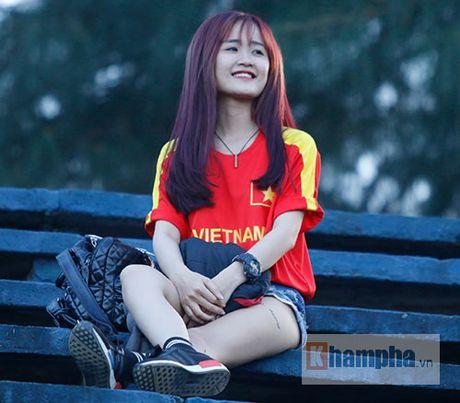 """Soai ca"" tuyen Viet Nam ""hut hon"" fan nu mien Tay - Anh 1"