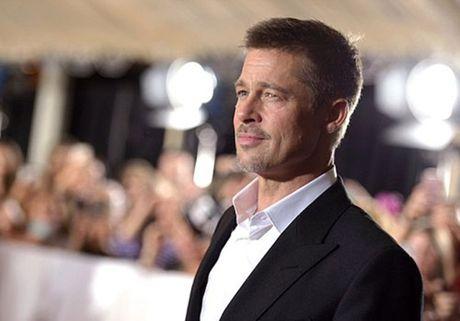 Brad Pitt tieu tuy ra mat phim sau ly hon - Anh 1