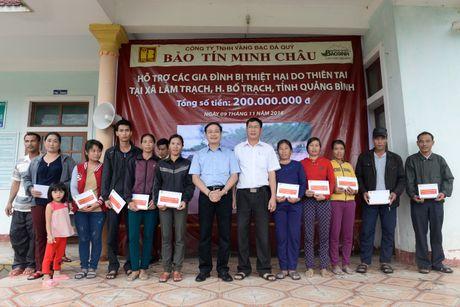 Bao Tin Minh Chau ho tro 200 trieu dong cho nguoi dan Quang Binh - Anh 1