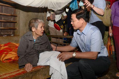 Bao Tin Minh Chau ho tro 200 trieu dong cho nguoi dan Quang Binh - Anh 3