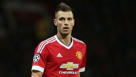 6 cau thu fan Man United muon Mourinho ban vao thang 1.2017 - Anh 2