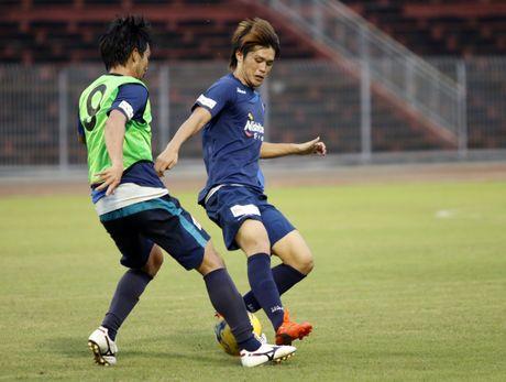 Cong Vinh, Cong Phuong, Tuan Anh duoc HLV doi Avispa Fukuoka danh gia cao - Anh 5