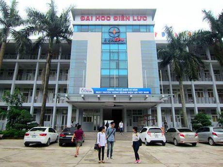 Truong Dai hoc Dien luc: 'Lo sang' hang loat sai pham - Anh 1