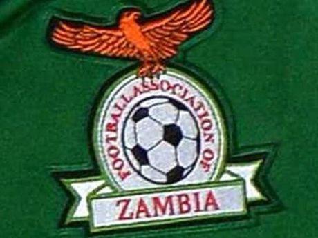 2 quan chuc Lien doan Bong da Zambia bi dieu tra tham nhung - Anh 1