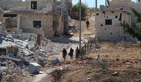 Chien su Aleppo: 'Ho Syria' dot pha tuyen phong thu phien quan - Anh 1