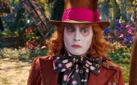 """Cuop bien"" Johnny Depp bi fan la o vi bong dung… hoa phu thuy - Anh 3"