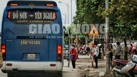 """Xe du, ben coc"" bua vay ben xe Yen Nghia: Lo dien ""ke"" tong pham - Anh 6"