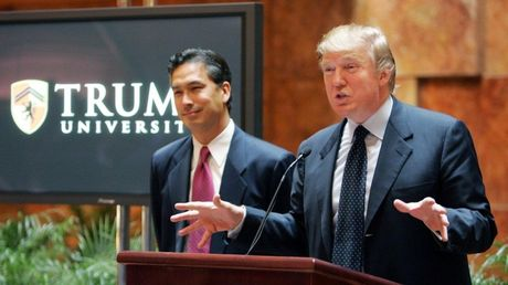Trump sap ra toa vi scandal lop hoc bat dong san 'vo dung' - Anh 2