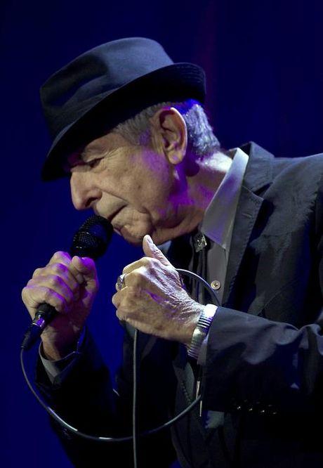 Danh ca huyen thoai Leonard Cohen qua doi - Anh 4