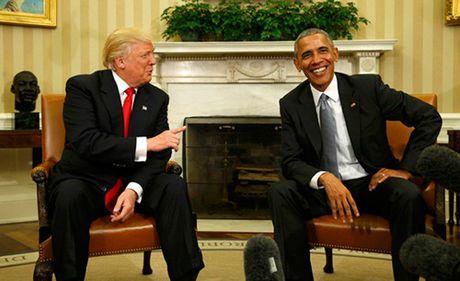 Nha Trang bac tin vo chong Obama huy chup anh chung voi nha Trump - Anh 1