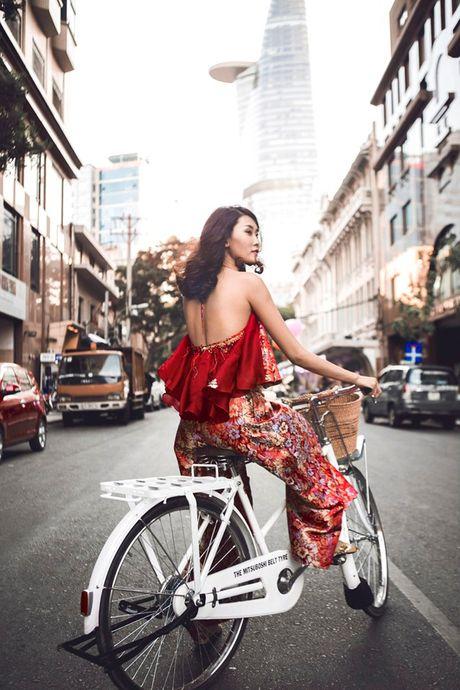 Street style voi xe dap xua roi nhung Huong thich thi Huong chup thoi! - Anh 11