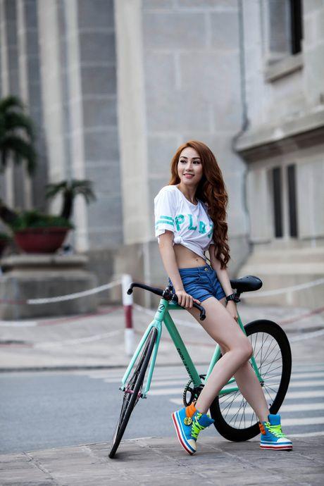 Street style voi xe dap xua roi nhung Huong thich thi Huong chup thoi! - Anh 4