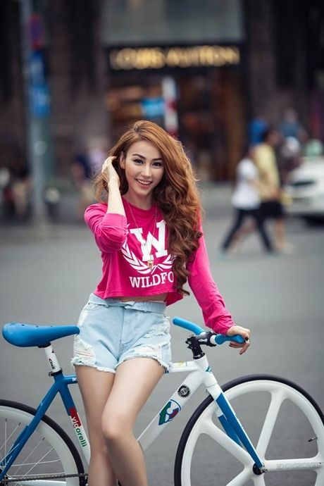 Street style voi xe dap xua roi nhung Huong thich thi Huong chup thoi! - Anh 5
