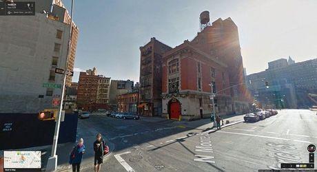 'Xem phim' qua Google Street View, co the hay khong? - Anh 1
