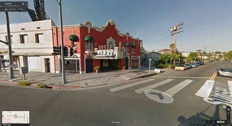 'Xem phim' qua Google Street View, co the hay khong? - Anh 31