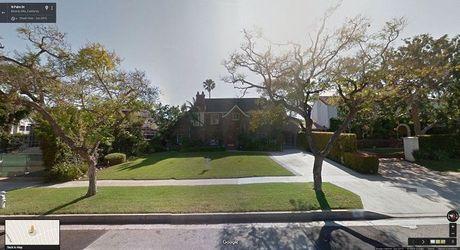 'Xem phim' qua Google Street View, co the hay khong? - Anh 14