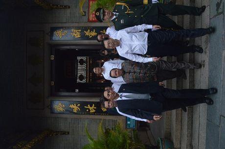 Uy vien Truong Uy ban Dai bieu nhan dan Trung Quoc Truong Duc Giang tham quan pho co Hoi An - Anh 1
