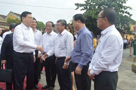 Uy vien Truong Uy ban Dai bieu nhan dan Trung Quoc Truong Duc Giang tham quan pho co Hoi An - Anh 3