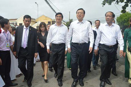 Uy vien Truong Uy ban Dai bieu nhan dan Trung Quoc Truong Duc Giang tham quan pho co Hoi An - Anh 4