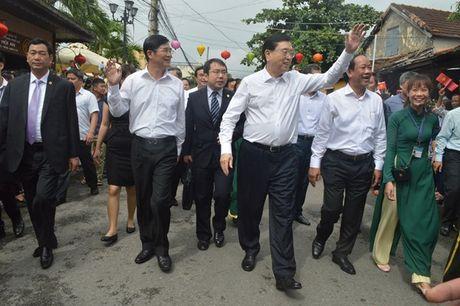 Uy vien Truong Uy ban Dai bieu nhan dan Trung Quoc Truong Duc Giang tham quan pho co Hoi An - Anh 5