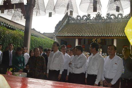 Uy vien Truong Uy ban Dai bieu nhan dan Trung Quoc Truong Duc Giang tham quan pho co Hoi An - Anh 6