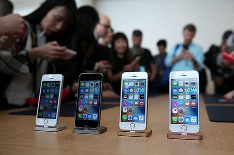Vi sao Apple huy ke hoach ra mat iPhone SE moi nam 2017? - Anh 1