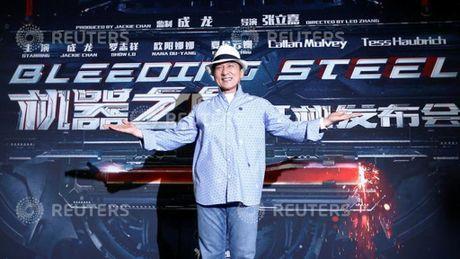 Thanh Long cung 3 guong mat gao coi nhan giai dien anh danh du - Anh 1