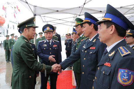 Canh sat bien Trung Quoc lan dau tham Viet Nam - Anh 1