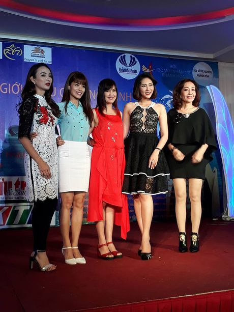 Hoai Linh va dan sao ung ho 'Que huong bien goi' - Anh 4