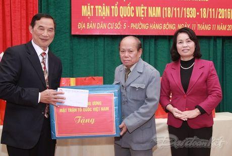 Pho Chu tich Bui Thi Thanh du ngay hoi dai doan ket tai phuong Hang Bong - Anh 1