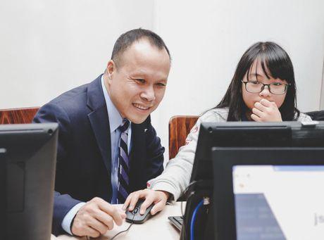 PTGD Viettel: 'Chung toi dang chuyen sang cac dich vu so' - Anh 1