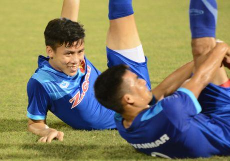 CLB Nhat Ban xem xet chieu mo tuyen thu Viet Nam - Anh 1